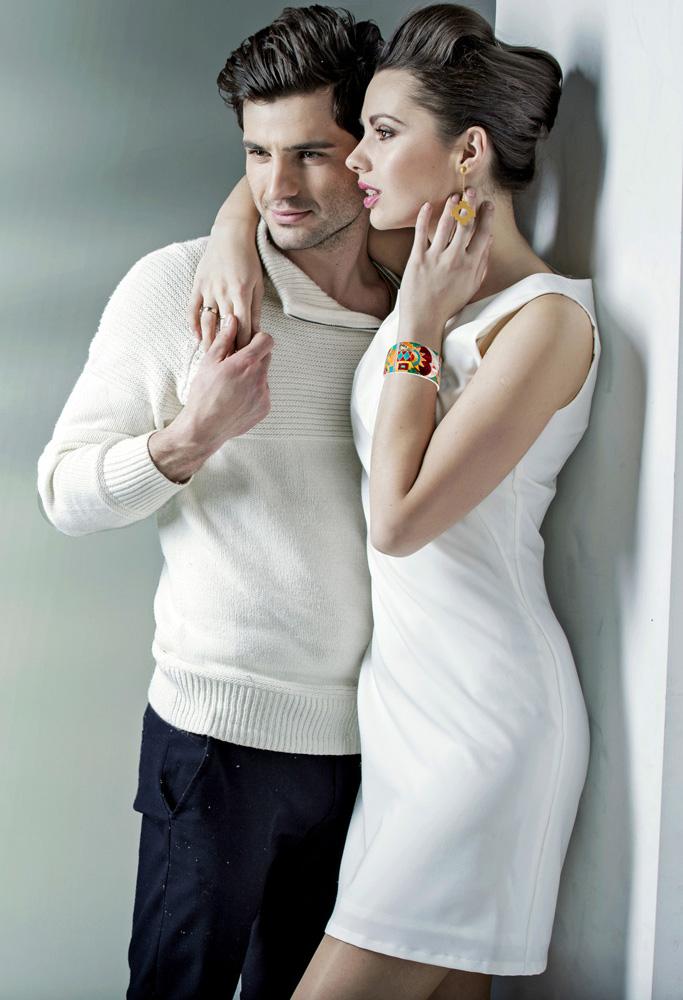 Soluna-Couple-Looking-Forward