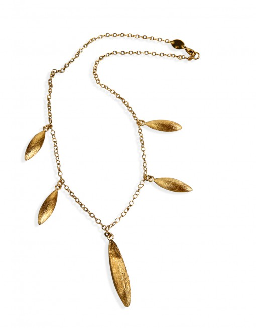 jaguar-teeths-necklace-gold-plated